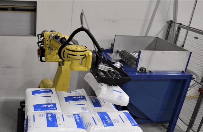 automationsløsning til tømning af sække